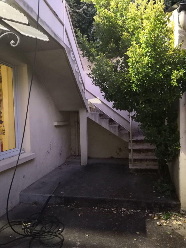 escalier extérieur avant
